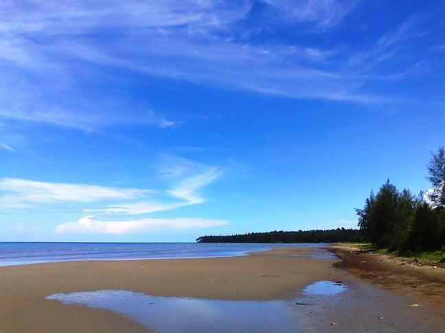 Objek wisata nias, Pantai Charlita Nias