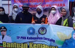 Hj Johra MB Serahkan Bantuan Sembako untuk Korban Banjir Lutra