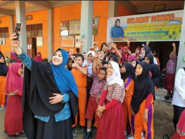 Erna Rasyid Taufan Ajak Anak-Anak Tetap Bergembira