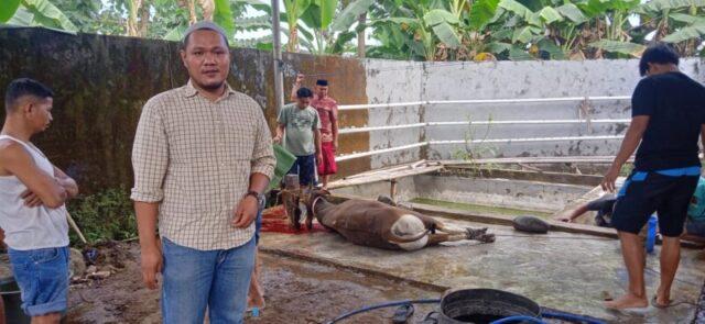 Mayora Group Serahkan Hewan Kurban ke Warga Gowa