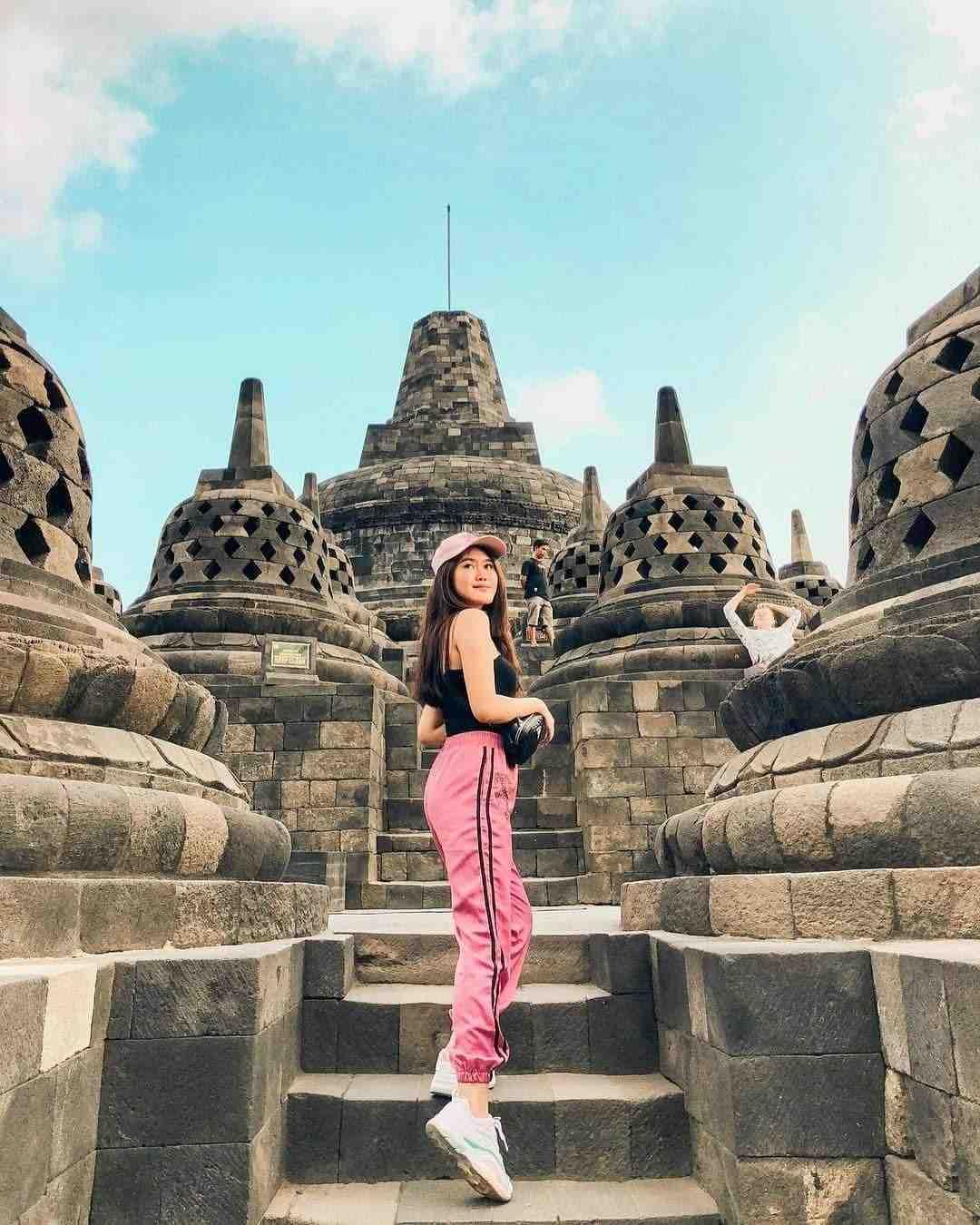 Candi Borobudur, Muntilan