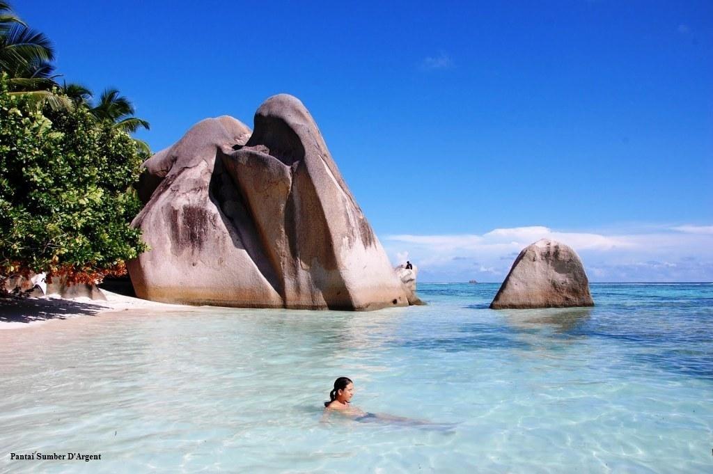 Pantai Terindah di Dunia yang Bisa Bikin Pangling